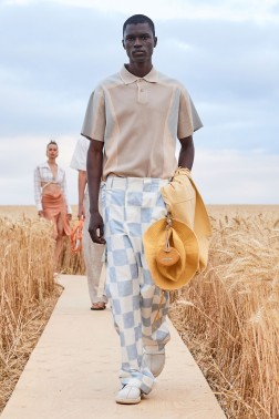 https___hypebeast.com_image_2020_07_jacquemus-ss21-collection-29